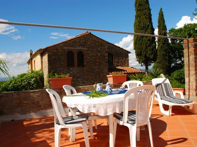 Photo for Romeo, well-kept apartment in a villa, wonderful garden, 10 km to the sea