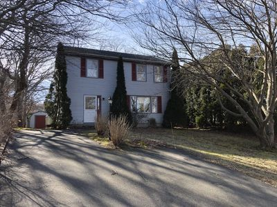 Photo for 3 Bed, 1.5 Bath Colonial Home in Narrow River Area