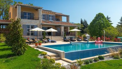 Photo for Lovely villa with private pool in Kastelir