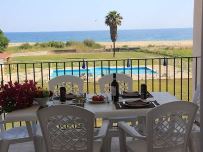 Photo for Tourist Complex equipped with all comforts with swimming pool, garden, 20 meters from the sea