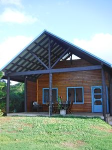2 bedroom house with ocean views and gardens  *Free kayaks and bikes*
