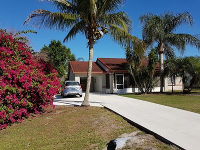 Photo for 2 bedroom house very quiet safe area near all restaurant, shops, beaches