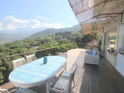 Photo for Luxury villa, pool (10 mins from the city)