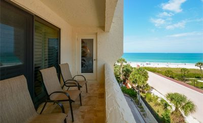 Sea Shell Condo 402 Spacious 2BRs 2Bath Condo with a beautiful ocean view at Sea Shell Beach Front Property