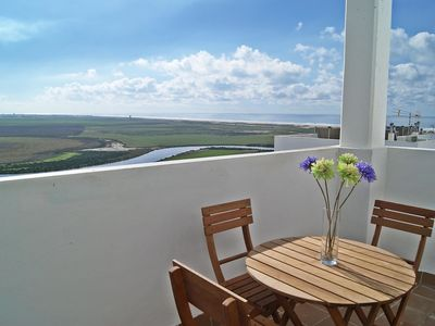 Photo for Beautiful apartment for 4 people with pool, A/C, WIFI, TV, pets allowed and parking