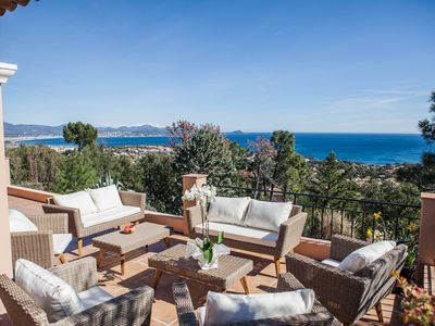 Photo for Superb heated pool villa 180 ° view of the Mediterranean Sea