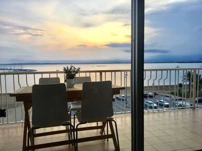 Photo for Spacious apartment facing the beach of Roses