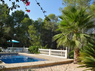 Photo for Beautiful private villa with swimming pool (10x5), guest house, near Valencia / beach