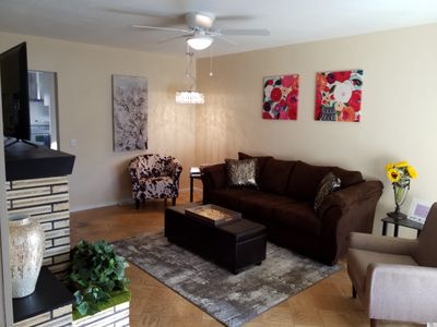 Photo for YELLOW PINE HOUSE, 3 BEDROOM KING-QUEEN, SPA SHOWER