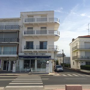 Photo for Charming apartment. 50m from the beach, 30m2