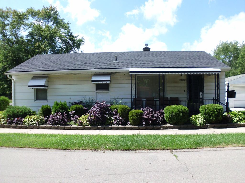 RANCH STYLE HOME 10 MINUTES FROM DTW NEAR DOWNTOWN DETROIT