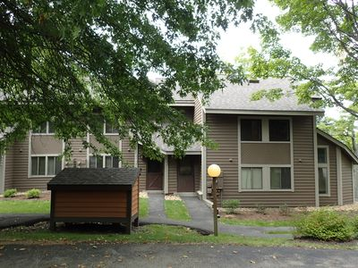Photo for 1127 Gristmill Lane, Short Walk to Slopes, portable AC for summer comfort!