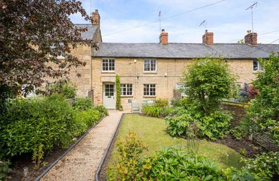 Photo for Robin Cottage is immaculately presented and has a beautiful, enclosed front garden