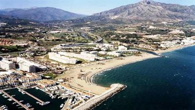 Photo for In the best of Puerto Banus, first line of beach.
