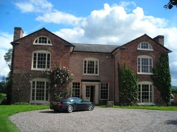 A Beautiful Home From Home - An Historic Manor House dating from 1682.