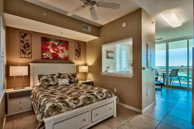 Open bedroom with queen bed