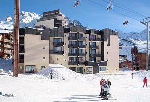 The apartment building with direct access to the ski slopes.