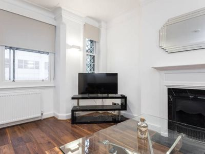 Photo for Stunning Central London Apartment (FS3)
