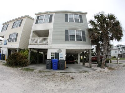 Photo for Pet friendly Leeward Cottage: Only a Few Steps to the Beach