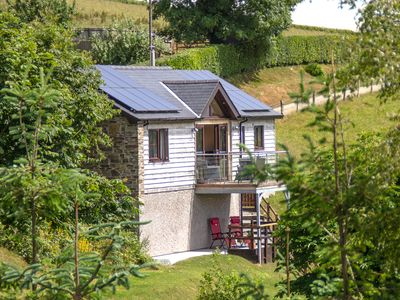 Photo for BLACK MOUNTAIN VIEW, romantic in Llanafan Fawr, Ref 924207