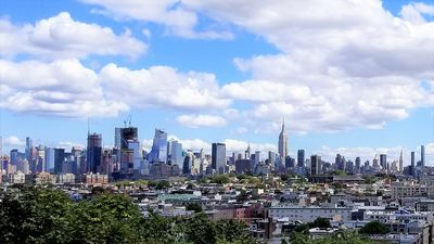 Photo for 4BR/2Bath:15-25 minute bus to Times Square,Midtown Manhattan,NYC/20min to Newark