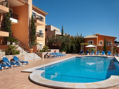 Photo for 2 bedroom Apartment, sleeps 3 with Pool and FREE WiFi