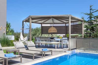 600 sq.m of furnished outdoor area with all kind of facilities for families