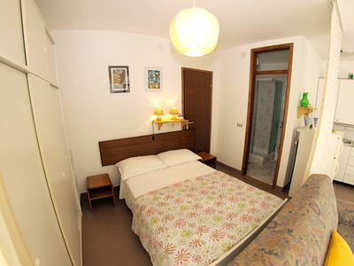 Photo for Holiday apartment Pjescana Uvala for 3 persons with 1 bedroom - Holiday apartment