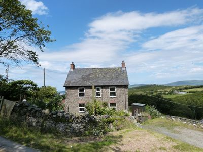 Photo for A comfortable and well-equipped cottage with generous accommodation for 6 in peaceful location with