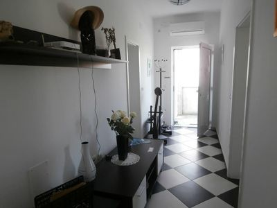 Photo for One bedroom apartment with balcony Sevid (Trogir)