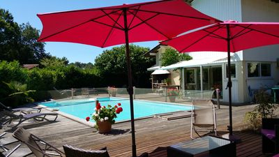 Photo for Beautiful villa south facing great comfort, pool, internet .Lège Cap-Ferret
