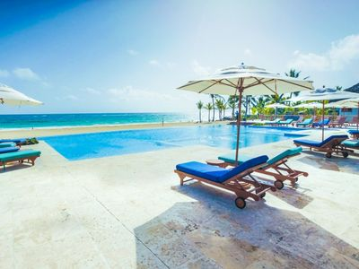Cozy 2 Bedroom Pool View Aparment at Cana Rock