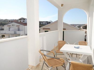 Photo for One bedroom apartment with terrace and sea view Sevid (Trogir)