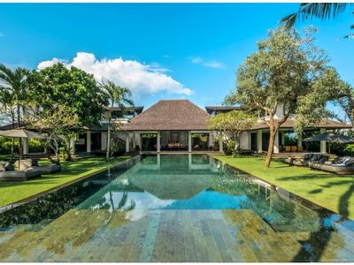 Photo for 5 BDR Families Villa 50 Meters to Beach at Canggu