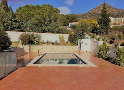Privat Pool with outside shower w/c