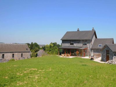 House for 8 people in local stone and located a few kilometers from Durbuy.