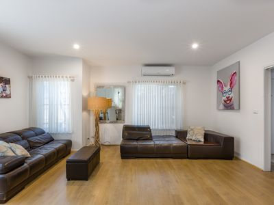 Photo for Large Hampton Family Home with FAST Unlimited WiFi & Free Cable TV