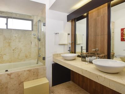 Photo for wonderful 2 bedroom Front Beach, Playa Del Carmen