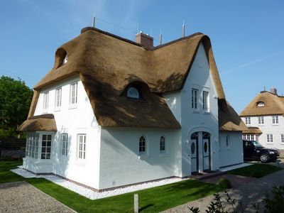 Photo for Bi de Diek West - thatched semi-detached house, a dream in white!