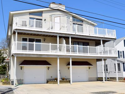Photo for Beautiful beachblock townhouse located in the Townsends Inlet area of Sea Isle City.