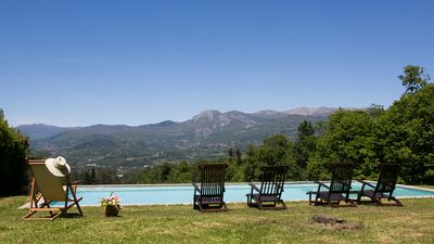 Photo for Monte Rotondo, Tuscany Villa with large private pool 5 easy walk to restaurant