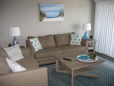 Photo for Cozy home on Perdido Bay, min. to white sand beaches, shops & great reataurants!