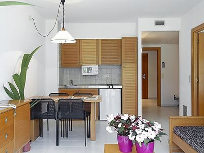 Photo for Apartment in Pals with Lift, Internet, Washing machine, Air conditioning (303607)