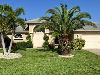 Superb 3Br House Vacation Rental In Cape Coral Florida 2290699 Home Interior And Landscaping Spoatsignezvosmurscom