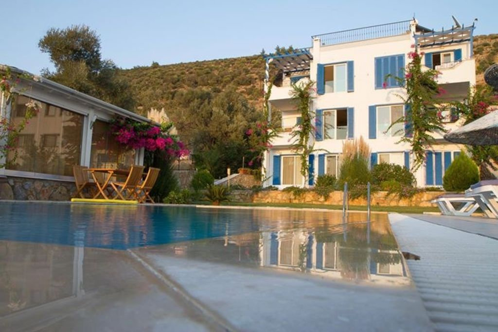Duplex Apartment in villa with pool with st... - HomeAway