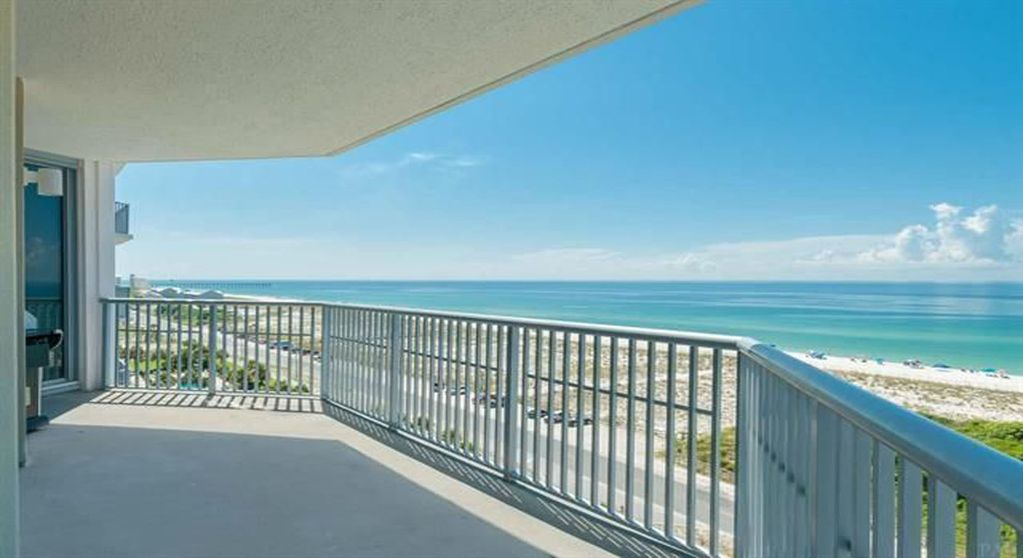 Large Pensacola Beach Condo Overlooking The Turquoise Gulf Of Mexico