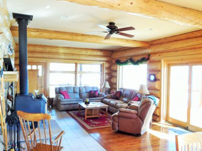 Secluded Log Home Adjoining National Forest- Spectacular View