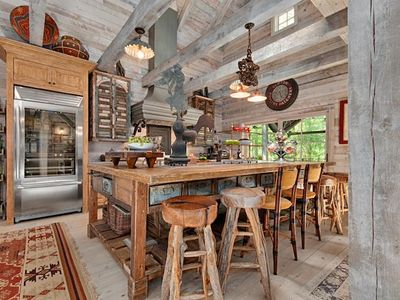 Photo for Luxurious Converted Barn 4 King BDRM, 4.5 Baths, 10 Minutes to DWNTN AVL