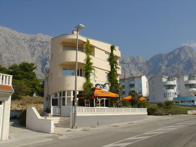 Photo for Holiday apartment with satellite TV, CD player, 2 balconies and sea view