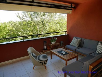 Photo for Center 15 minutes walk, quiet, terrace, air conditioning, parking, WiFi. Residential.